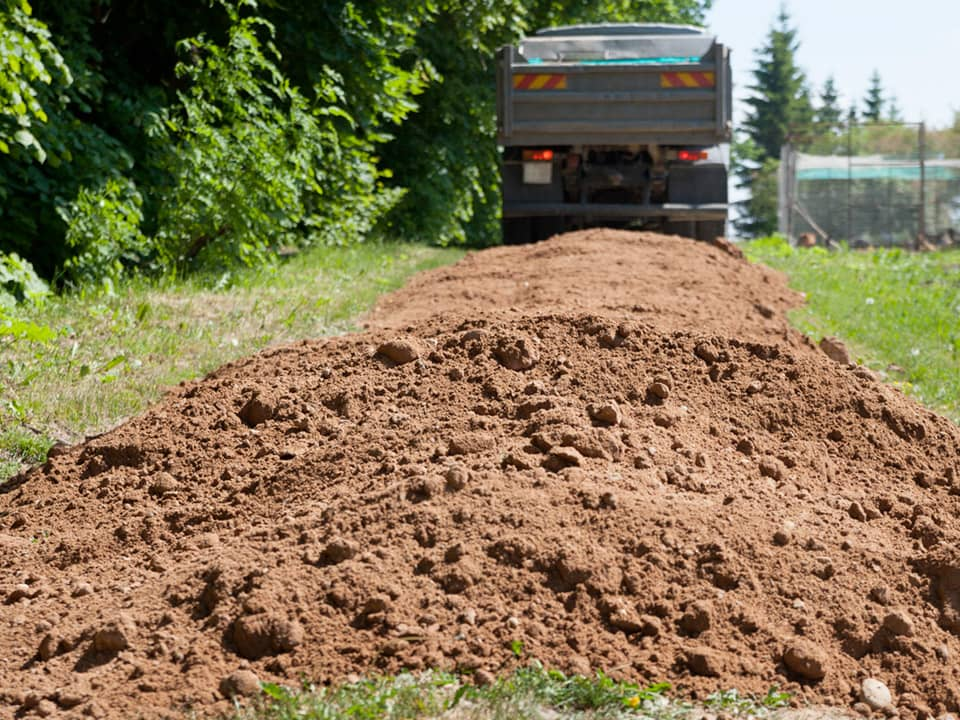 Topsoil suppliers in Thaxted Essex